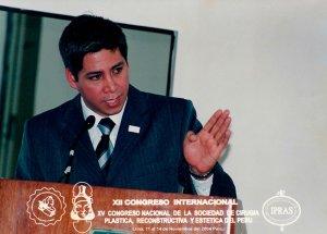 Dr. Gino Llosa - XII Congreso Internacional, XV Congreso Nacional de la Sociedad de Cirugía Plástica, Reconstructiva y Estética del Perú