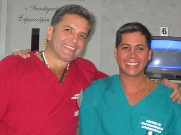 Dr. Gino Llosa con el Dr. Enzo Rivera Citarella - Instituto Yvo Pitanguy, Brasil 2005